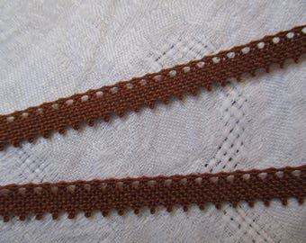 2 m Brown lace from le puy en velay