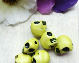 SET OF 6 BEADS DISTRESSED ACRYLIC SKULL YELLOW