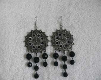 Earring and round flower print