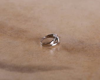 FREE SHIPPING! Knot Ring