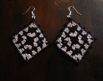 black & pink granny crochet earring lace