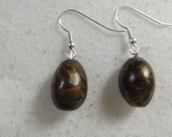 Black and gold marbled earrings
