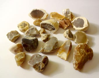 20 pieces of stone Flint - home decor, embellishment, collection