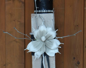 Wood black Crown with flower decoration-