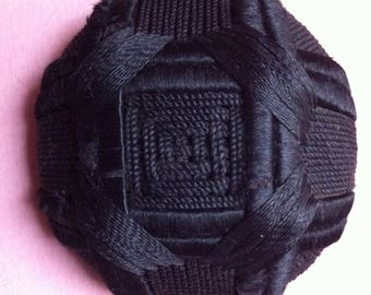 Giant buttons 55 mm black braid