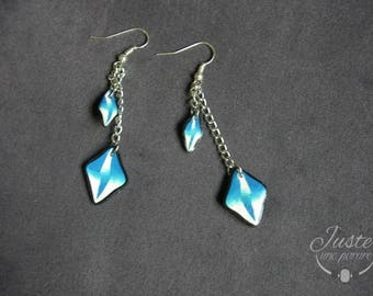 Dangling earrings in polymer clay, Argyle gradient of blue and white