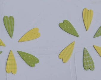 SET OF 12 PANELS + / HEIGHT 4 CM HEARTS YELLOW AND GREEN