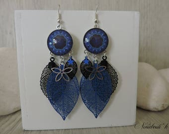 Earrings blue and black prints and cabochons
