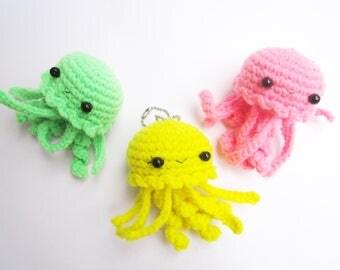 amigurumi jelly fish, baby jelly fish, cute keychain, kawaii plushies, crochet keychain, sea creatures, Jelly fish plushies