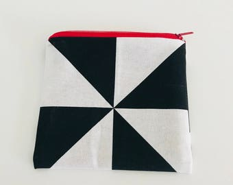 Small pouch - single model