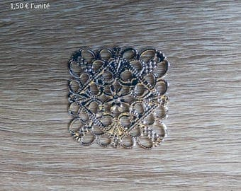 Square shiny metal filigree