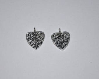 BR13 - Set of 2 charms silver metal leaves