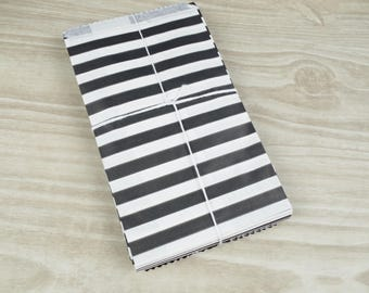 Clutch bags - Set of 10 - white patterned paper 9 x 15 cm for gifts, jewelry, sweets black horizontal stripes