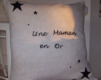 """Beige linen cushion with inscription """"a MOM in gold"""""""