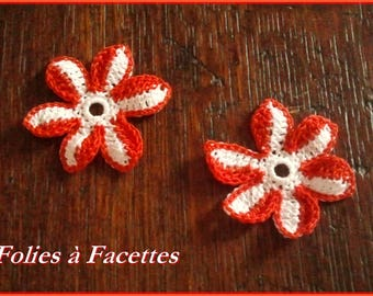 Red and white cotton crochet flowers