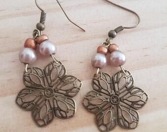 Delicate flower earringd
