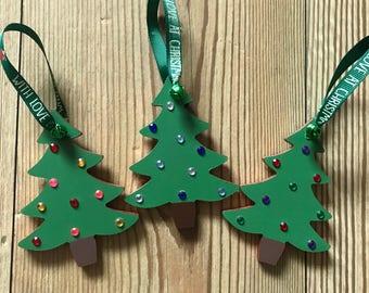 Arbre de Noël en bois suspendus