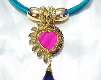 Choker with said of heart in alambrismo technique