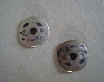 Round metal silver color 1.7 cm in diameter