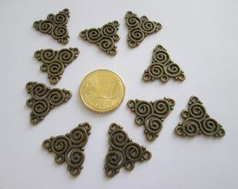 10 connecteur triskel celtique en métal couleur bronze 20 X 19 mm