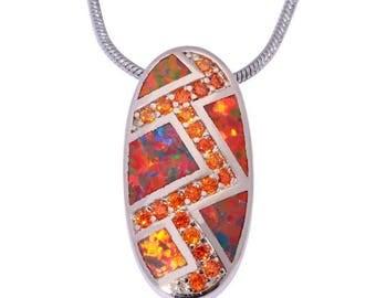 Pendentif ovale plaqué argent, opale de feu et strass orange chaine argenté.