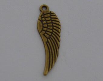 10 Breloques ailes  d'oiseaux 30x10mm couleur bronze antique