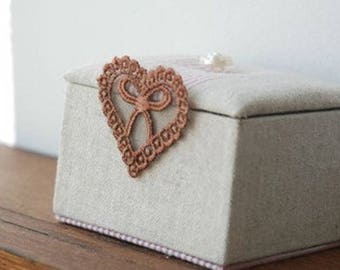 heart lace and bow Brown
