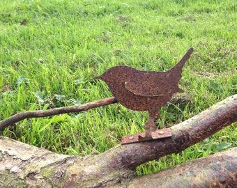 Fabulous Rusty Metal Wren Bird  Garden Ornament