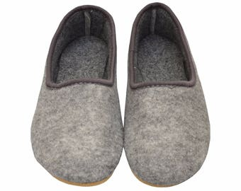 FELT moccasins Gray NATURAL slippers, Warm women men home shoes felted  slippers Comfortable winter warm boots Men women christmas gift wool
