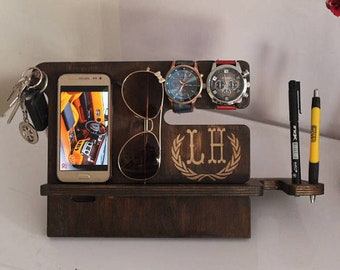 Universal Wooden Docking Station, 5th Anniversary Gifts For Him, Gifts For Dad, Phone dock, Gifts For Husband, Valentine's Day Gifts For Men