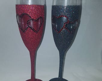 Wedding glitter glasses, wedding gifts, anniversary  gift, His and hers gift, engagement set, red & black wedding gifts