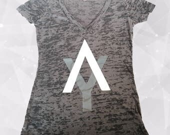 AY LOGO V-Neck Gradient T-Shirt