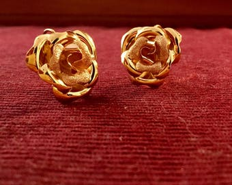 18kt Gold Flower Earrings