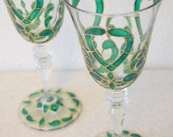 "Champagne Flutes, Wedding Toasting Glasses, ruby and silver, Royal Wedding, HAND PAINTED, Set of 2,stemwarethe, ""Emerald green"""