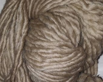 Plants dyed Virgin Wool walnut CA 100g