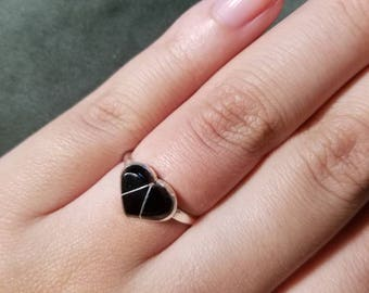 925 silver ring with heart onyx.