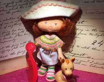 Vintage Strawberry Shortcake Doll Cafe Ole' and Burrito with Comb from the 1980's