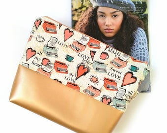 Heart Project Bag, Valentines day gift, Zippered Medium Size Knitting Bag, Yarn Bag, Zippered Wedge Bag, Crochet Wedge Bag, Yarn Tote