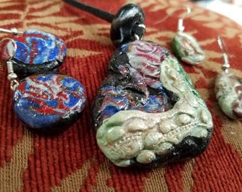 Crocodile Rock reversible necklace and earring set