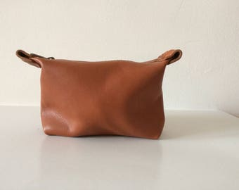 Necessaire Leather