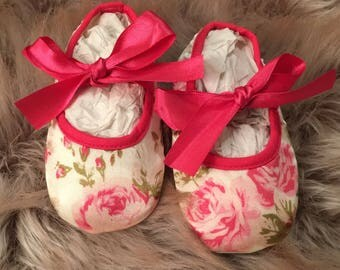 Satin crib shoes