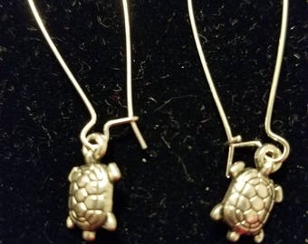 Boutique Silver Alloy ...Scooting Turtle Earrings #C77