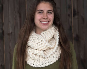 Hand Knit Infinity Scarf // Wool Scarf // Chunky Knit Scarf Cowl: Fisherman