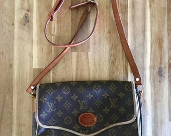 Vintage LOUIS VUITTON handbag
