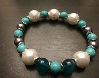 Turquoise and Simulated Pearl stretchy bracelet