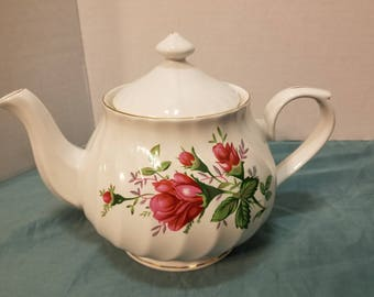 Truly Tasteful Fine China Teapot with Lid Gold Trim with Rose Design