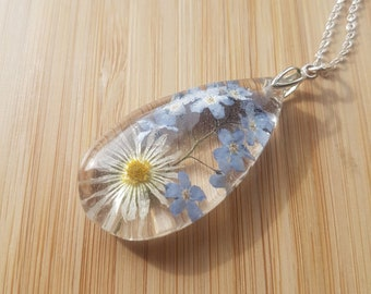 Never Forget Me Daisy Teardrop Necklace