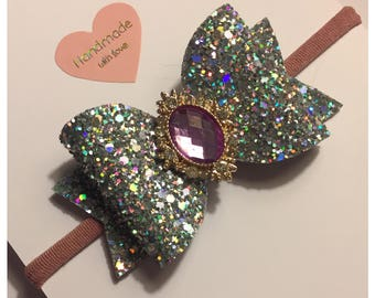 Jewelled bow