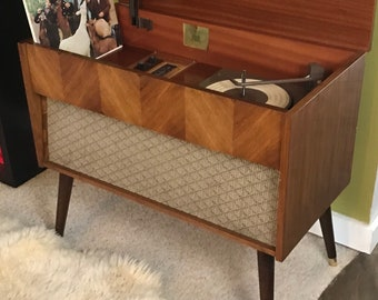 Mid Century Modern Vintage Record Player