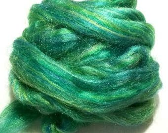 Firestar, Firestar Green, Trilobal Nylon, fiber sparkling, spinning fiber, fibre felting, Green Glitz, Green Sparkle, Green Spinning Fiber